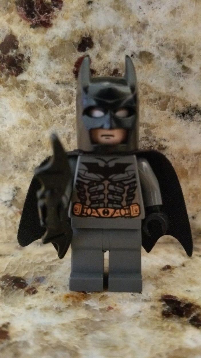 LEGO DC Super Heroes Very Rare Batman Mini-figure from set 7886 The Batcycle