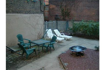 Perfect Four BR share apartment duplex, Two full BA.