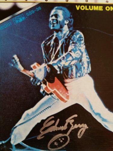 CHUCK BERRY SIGNED LIVE LP ROCK ROLL MUSIC JOHNNY B GOODE NADINE Guitar Legend