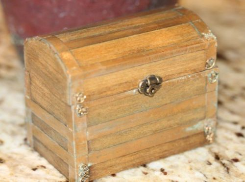 ARTIST HANDMADE DOLL HOUSE MINIATURE CAMEL BACK WOOD TRUNK METAL TRIM