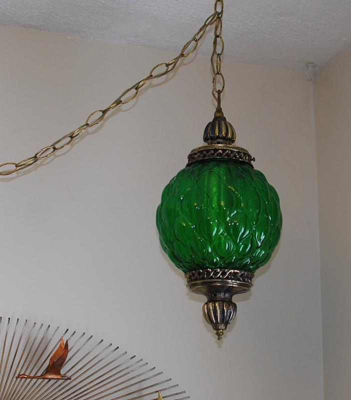 Vintage mid century hollywood regency green quilted glass swag pendant light