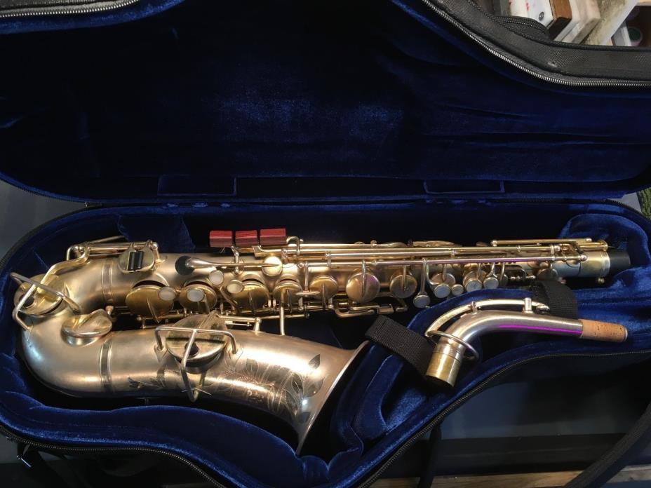 Buescher Alto Saxophone - Satin-Gold - 1926