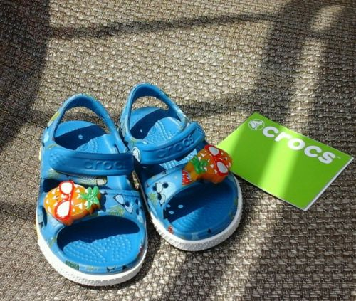 BRAND NEW LIGHT UP! KIDS -BABY CROCS SIZE 4  FITS SHOE SIZE 19-20