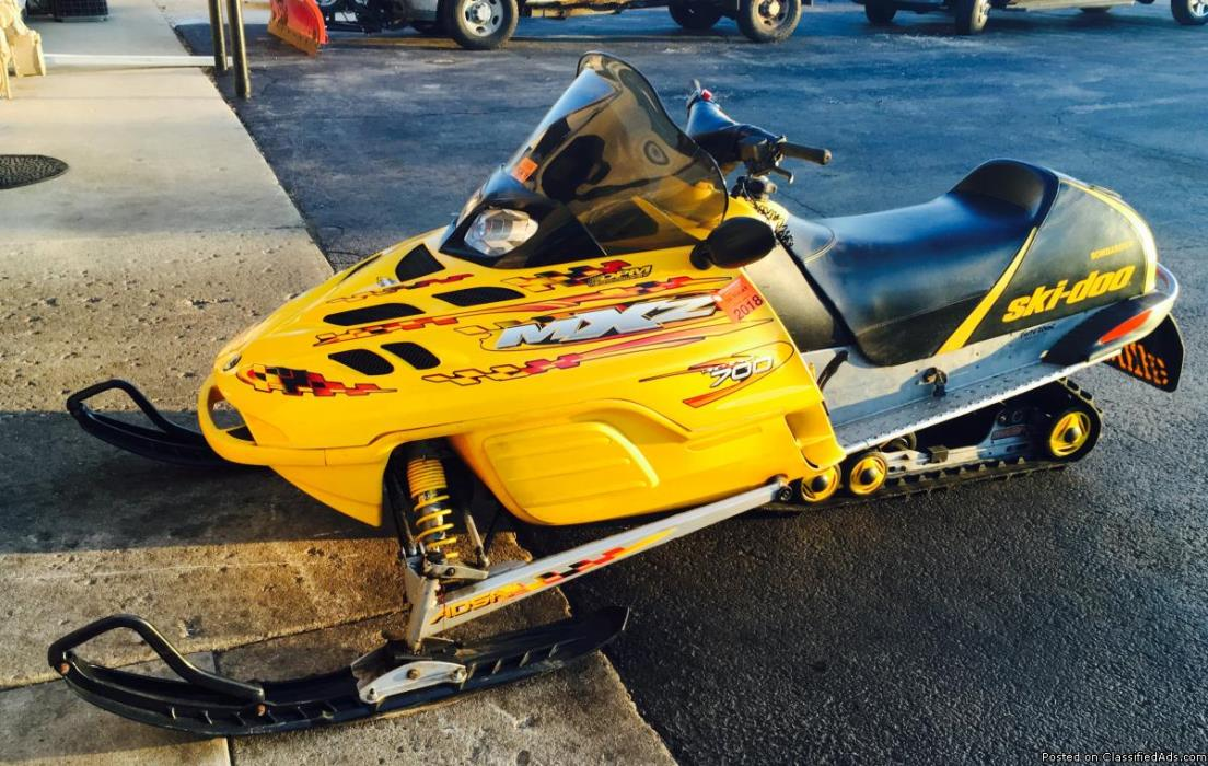 RUNS GREAT! 2002 Ski-Doo MXZ 700 Snowmobile in Yellow and Black, NOW ONLY $1495!