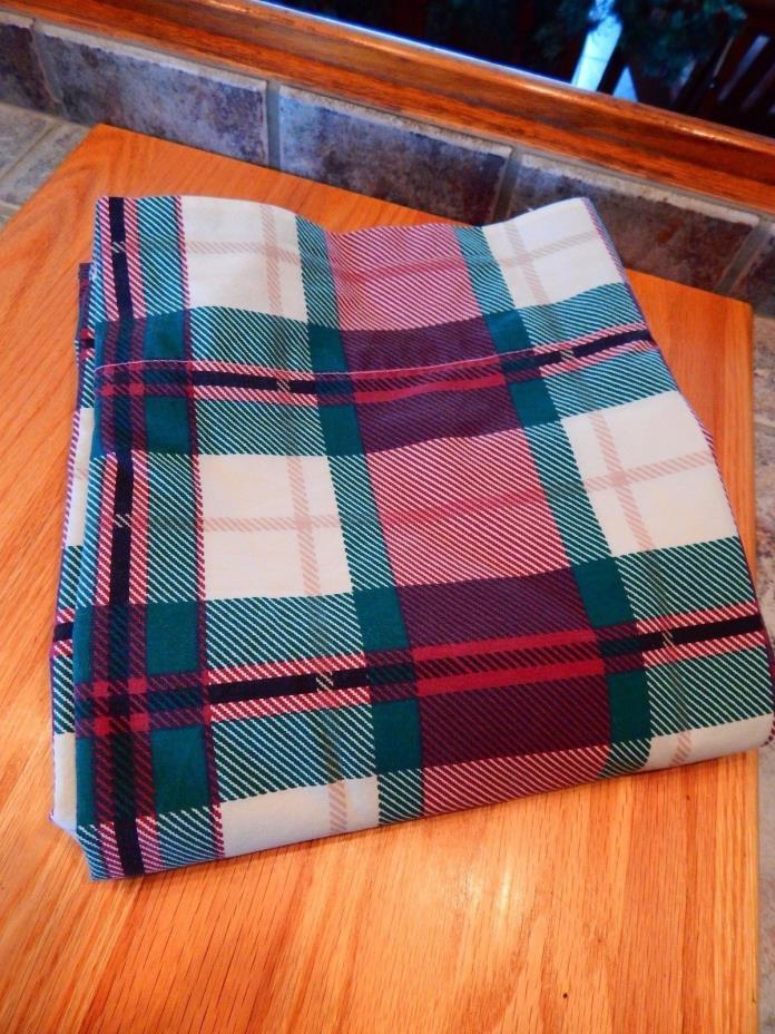 WESTPOINT STEVEN'S QUEEN  FLAT SHEET,GREEN/WHITE/MAROON/TAN PLAID,NICE