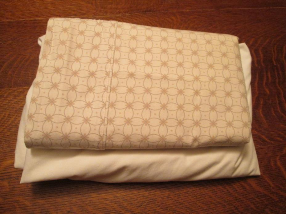 Queen Size Sheet Set w/NO Pillowcases/Top-Cream Print & Bottom-White