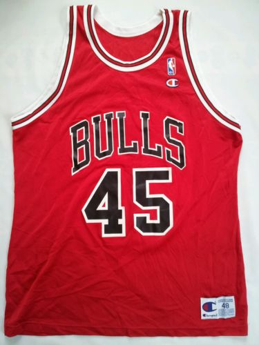 VINTAGE MADE IN USA CHAMPION CHICAGO BULLS #23 MICHAEL JORDAN JERSEY IN SIZE 48