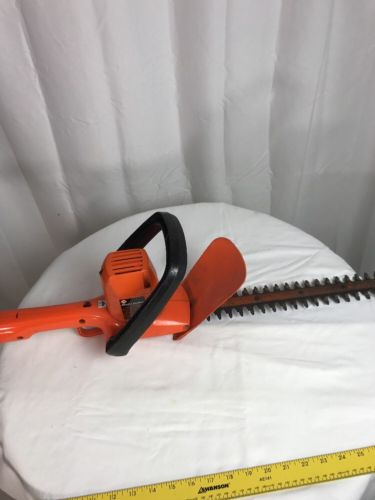 Black and Decker hedge trimmer 16