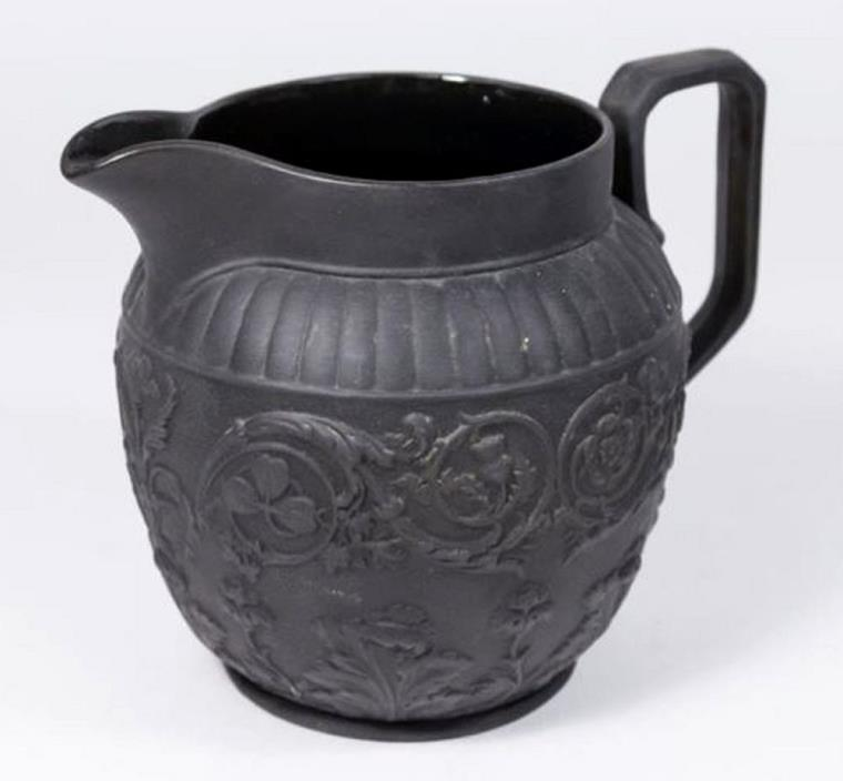 LARGE ANTIQUE WEDGWOOD BLACK BASALT JASPERWARE 5 3/4