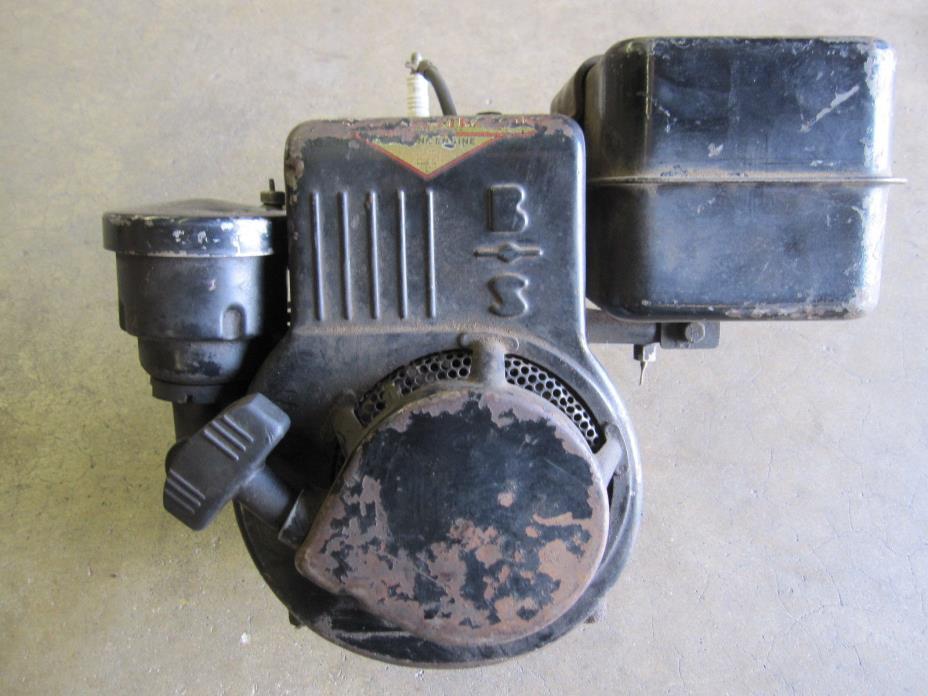 Vintage BRIGGS & STRATTON 80432 Stationary Engine Mini Bike Go Kart Hit Miss