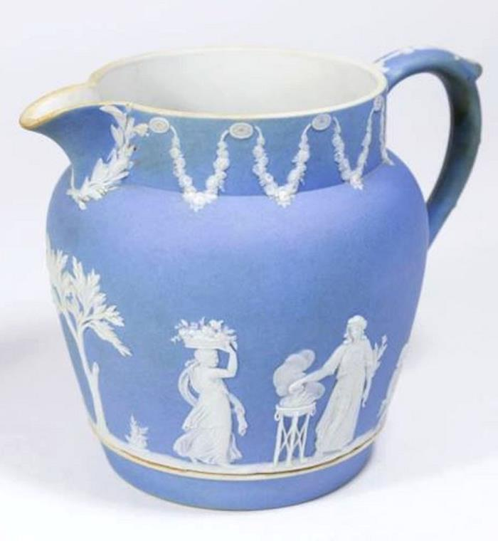 LARGE ANTIQUE WEDGWOOD BLUE JASPERWARE 5 3/4