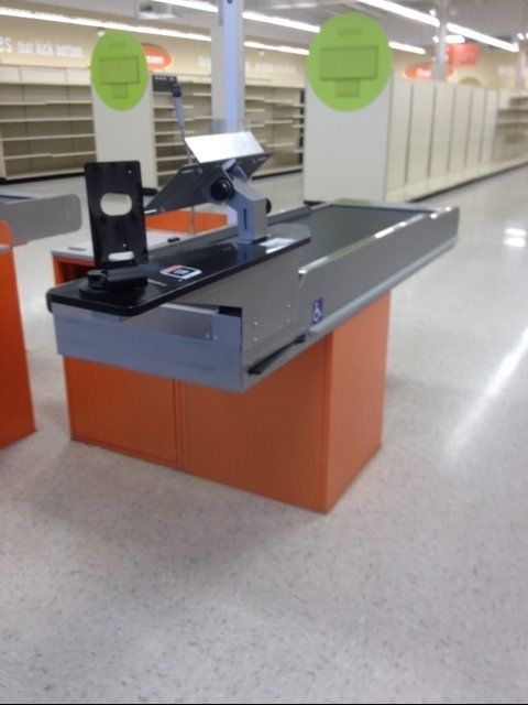 Motorized CHECKOUT COUNTER & Bagger Used Grocery Supermarket Store Equipment