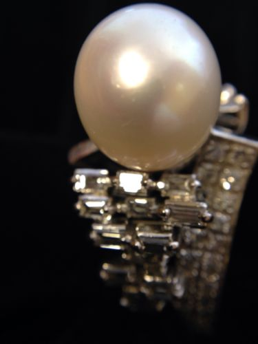 14 K SOLID GOLD RING WITH LARGE SOUTH SEA PEARL AND 2.45 ct DIAMONDS