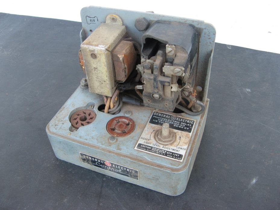 1930s GE PHOTOELECTRIC CONTROL RELAY CR7505-K100-G3 Vacuum Tube VINTAGE
