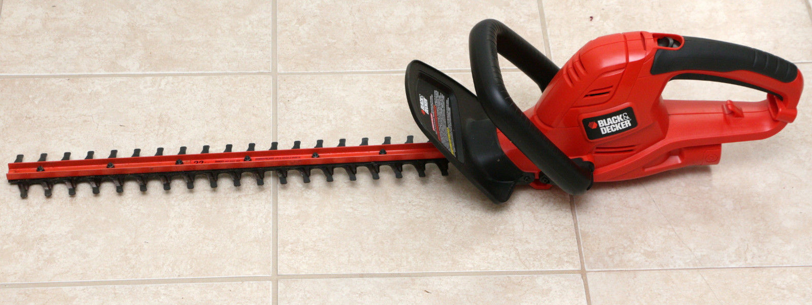 Black & Decker 22 inch Electric Corded Hedge Trimmer