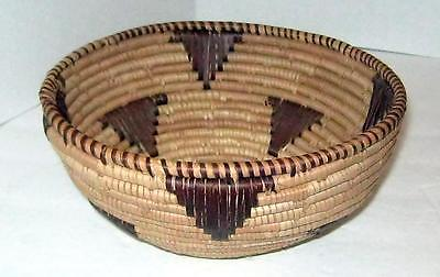 Vintage Round Woven Basket Unknown Origin   7 1/2