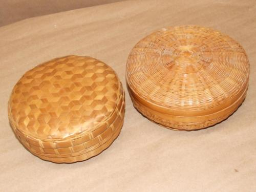 2 Vintage Bamboo Rattan Woven Round Sewing Basket Baskets w/ Lid 6.5