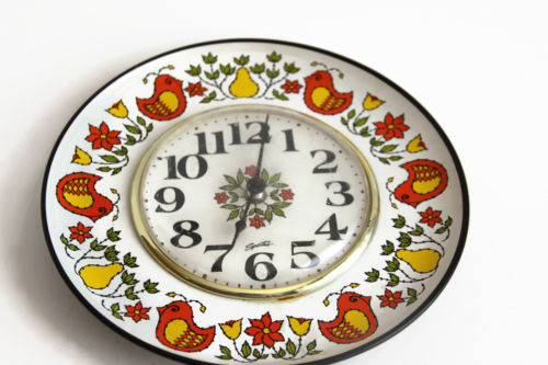 Vintage Spartus Kitchen Wall Clock - Colorful Birds & Pears