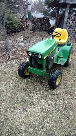 John Deere 112h Lawn & Garden Tractor