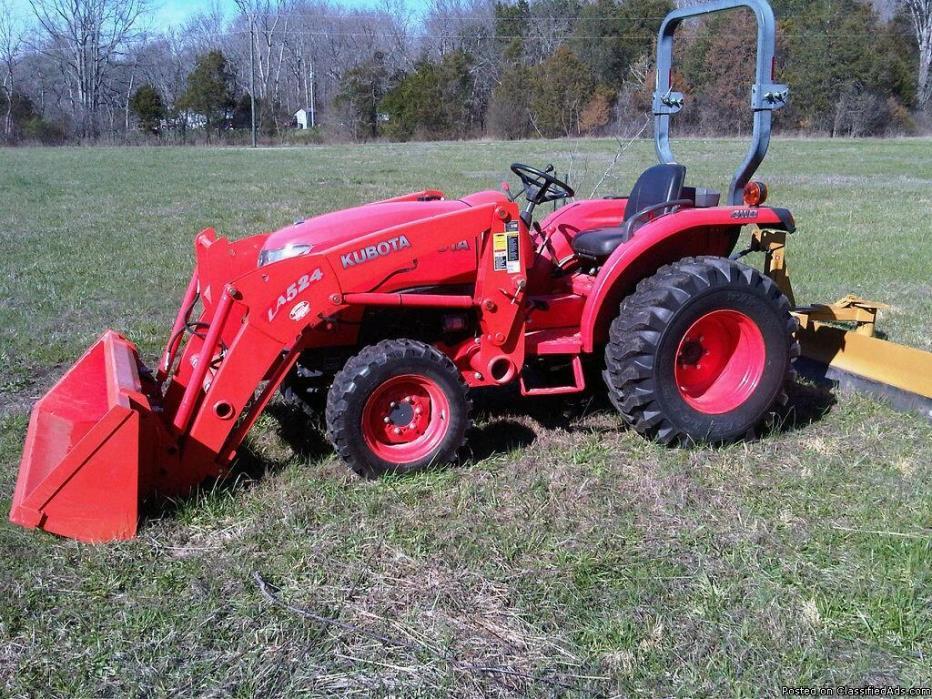 Kubota L3800 4x4 Tractor