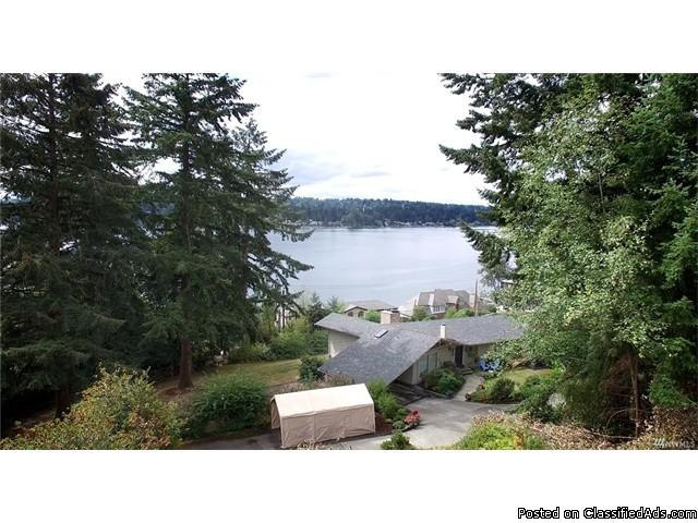Amazing Lake Sammamish views in unbeatable location.