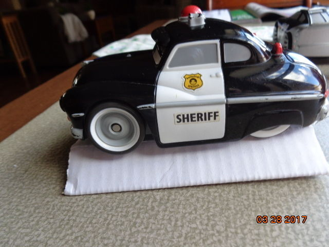 Vintage 2006 black & white sheriff police Battery Operated  toy car