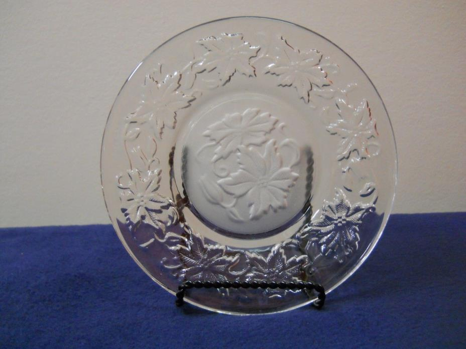 6 Inch Princess House Fantasia Poinsettia Pattern Dessert or Bread Butter Plate