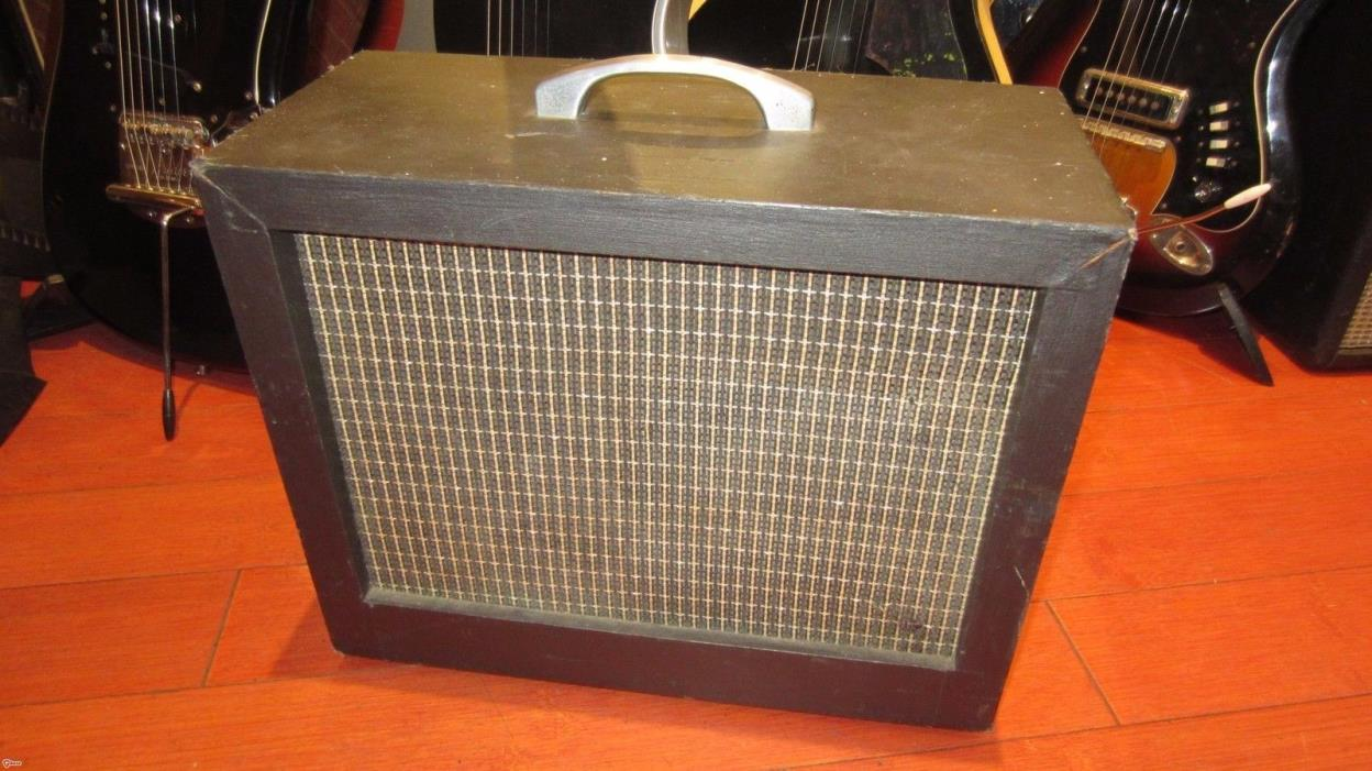 Vintage 1964 Harmony Electric Guitar Small Combo Amplifier Fully Serviced Nice!