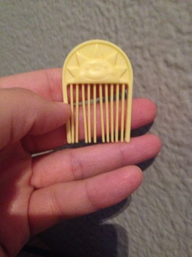 Vintage My Little Pony Pale Yellow Sun Comb for Glider
