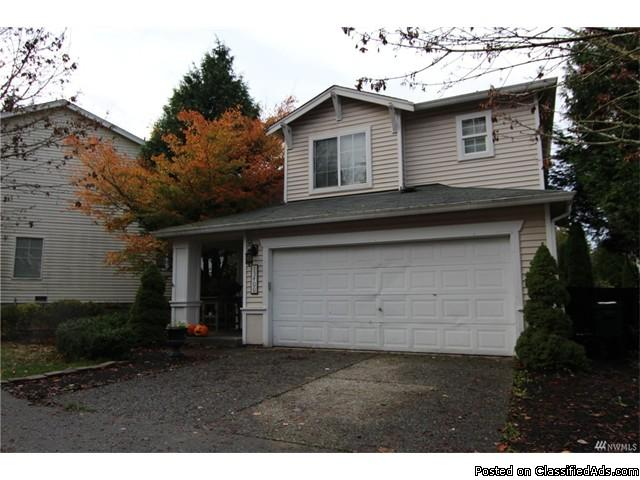 Highlands 3 bedroom 2.5 bath home situated on circular road!