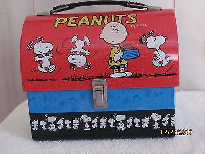 PEANUTS SNOOPY DOME METAL LUNCH BOX