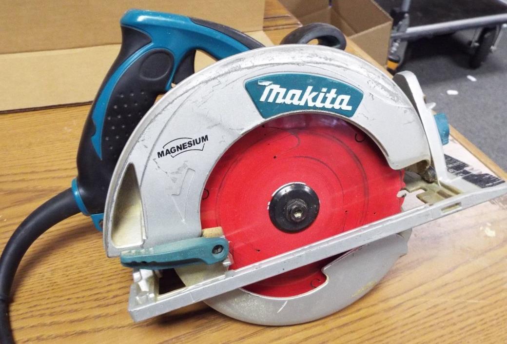 Makita 5007MG 15 Amp 7 1/4 in Magnesium Circular Saw