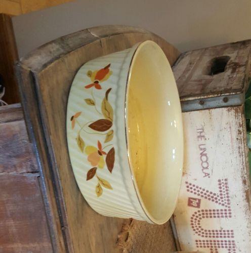 Vintage Halls JEWEL TEA Autumn Leaf 8 Inch French Baker