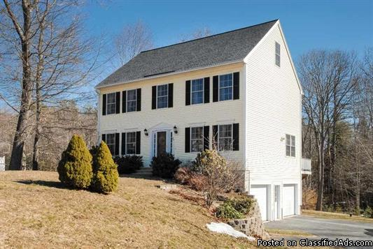 Newly Listed ~ Meticulously Maintained, 3 Bed/3 Bath Colonial in Newmarket, NH!