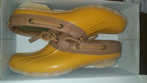 Sperry Topsider Heron Yellow Rain clogs! Comes with orginal box! Womens 7M