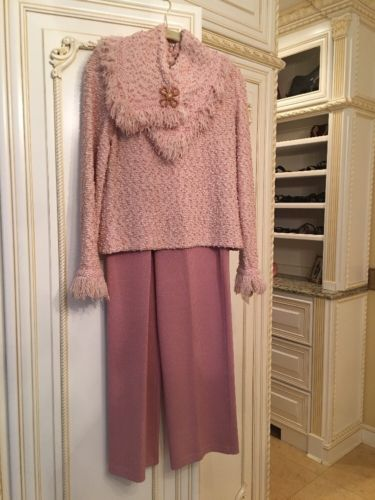 Rare. Beautiful Pink St John Pant Suit With Removable Collar 6. Excellent!