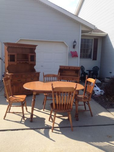 Tell City Table With 3 Leaves And 4 Chairs, Roll Top Desk And Hutch.