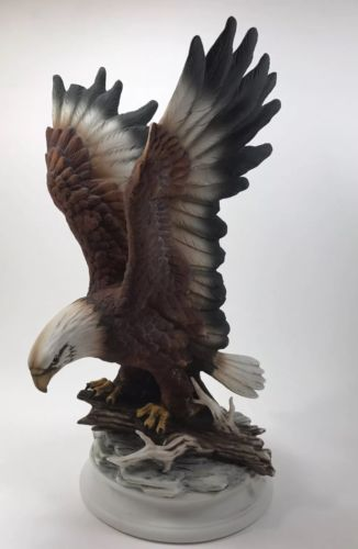 HOMCO Home Interiors Bald Eagle Statue, Masterpiece Porcelain Bird 11