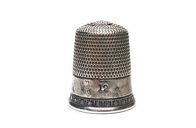 Vintage STERLING SILVER STARS THIMBLE #12 2.75 Grams