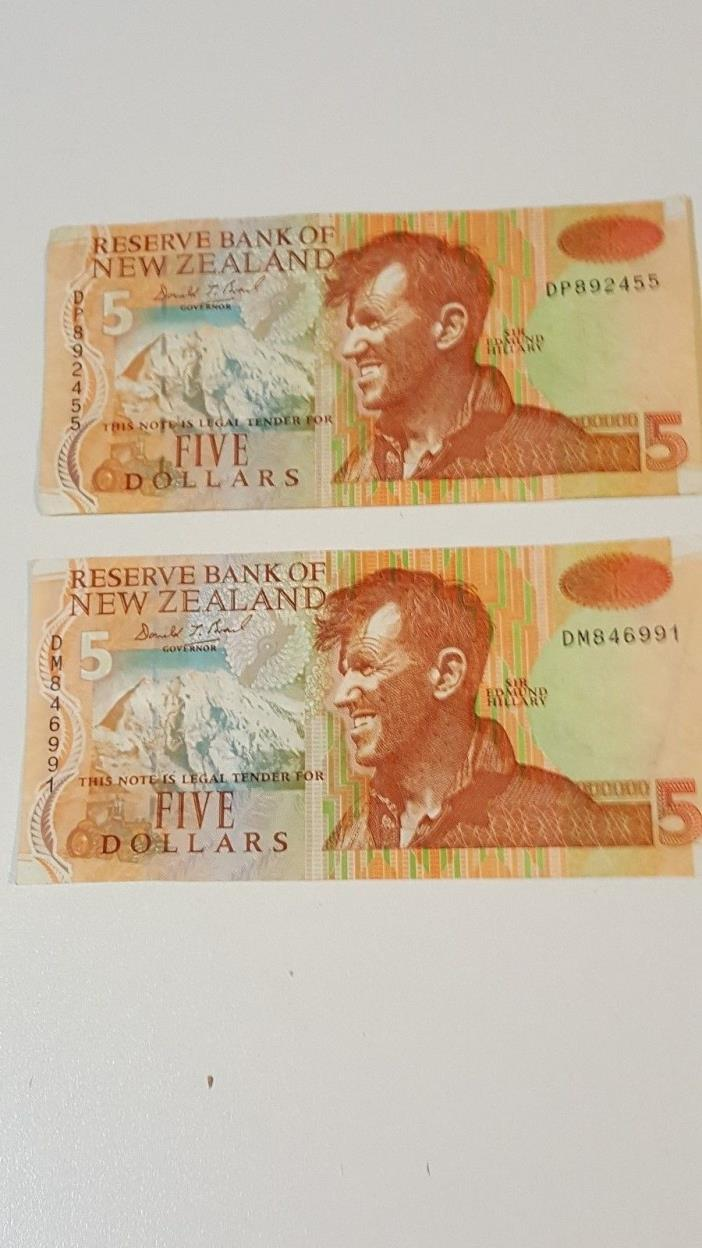 New Zealand 2 X $5.00 Bank Notes - Sir Edmund Hilary - DP892455/DM846991