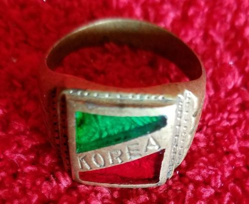 Vintage Mens Mans Korea Ring Military Green and Red Inlay
