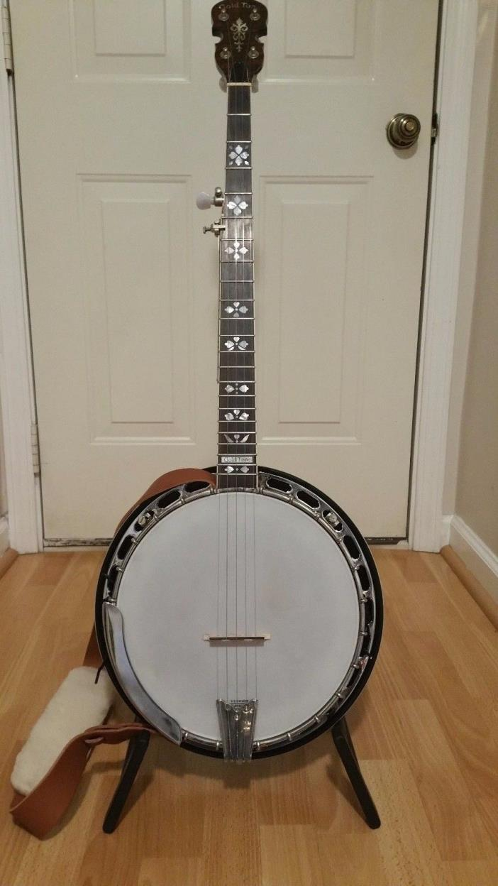 5 String Banjo with 5th string capo ,tuner and case