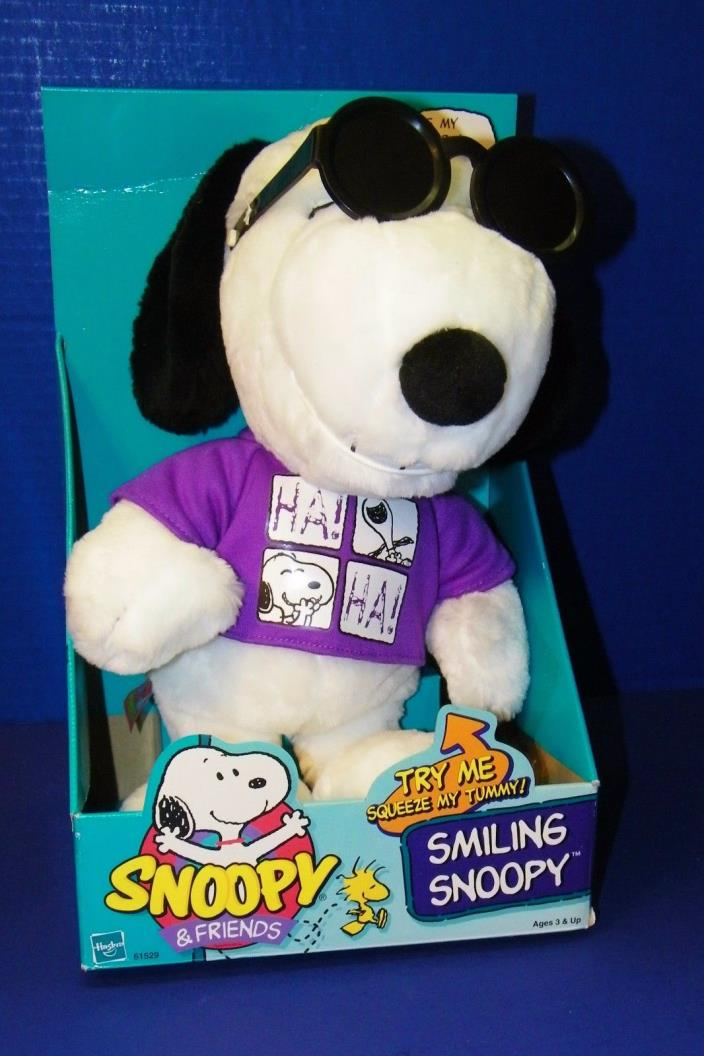 Hasbro Smiling Snoopy & Friends 1999 Plush Toy Joe Cool Sun Glasses Laughs Grins