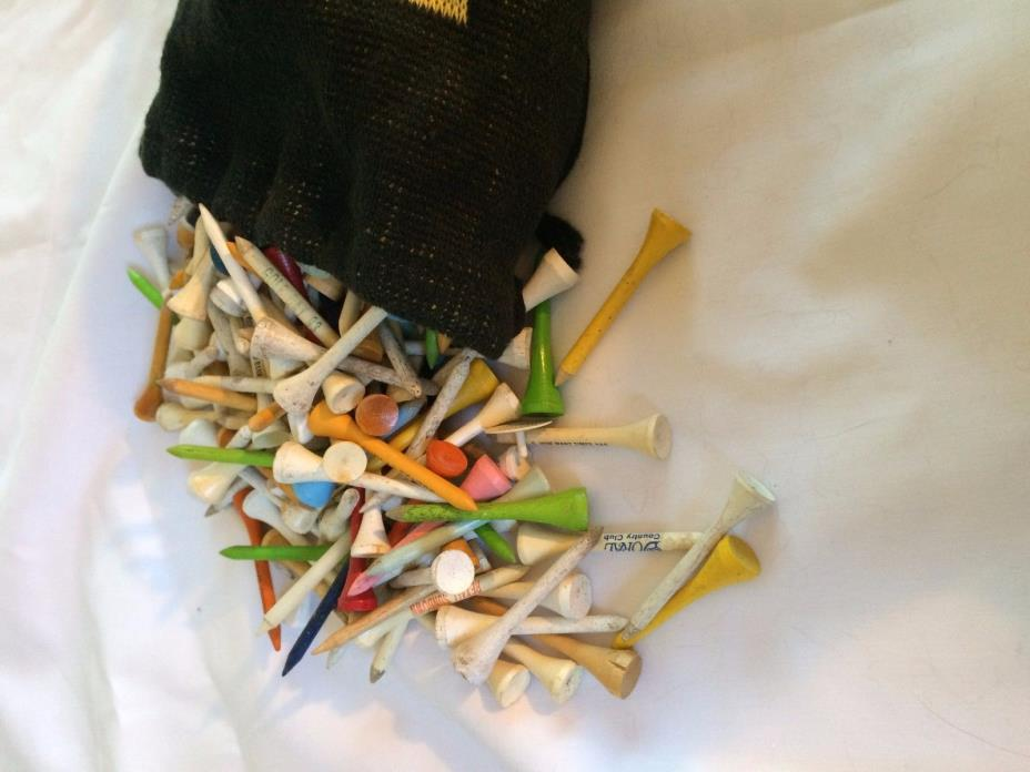 VINTAGE WOOD GOLF TEES with knit bag