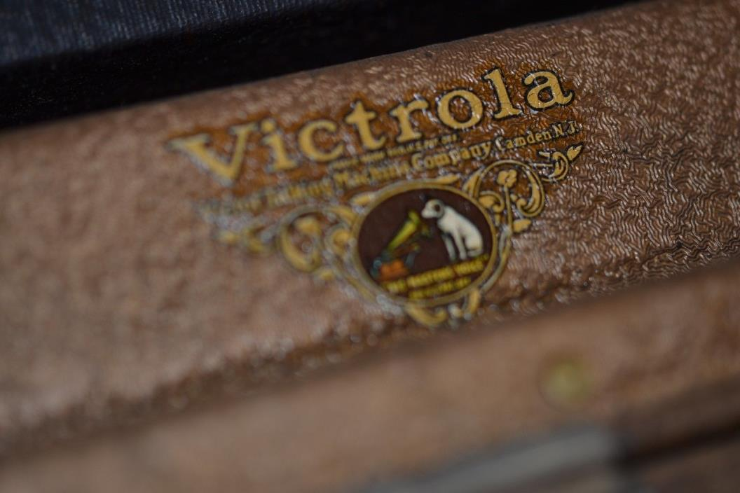 Vintage Victor Portable Victrola  Phonogragh Record Player