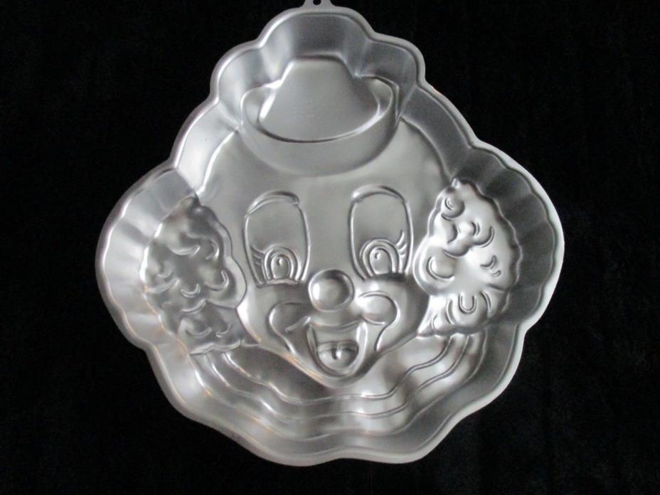 Vintage & Retired Happy Clown Wilton #2105-802 Cake Pan Mold Birthday Baking
