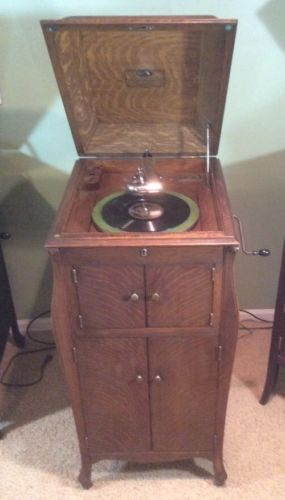 Antique Victor Victrola Original 78 Record Player w/20+ Records VV-XI OAK