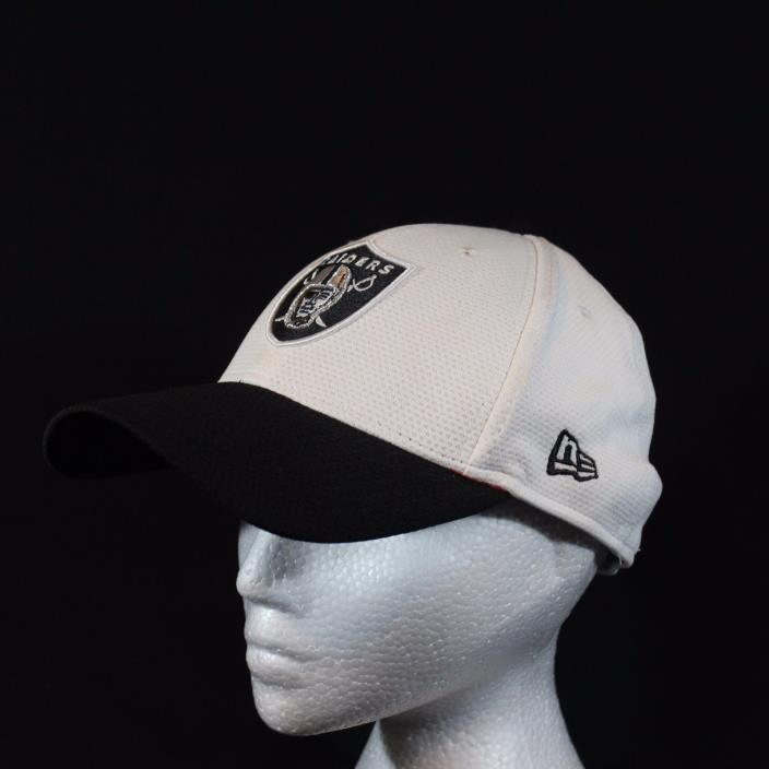 NFL Oakland Raiders Med/Large New Era 39THIRTY White Black Stretch Fit Hat Cap