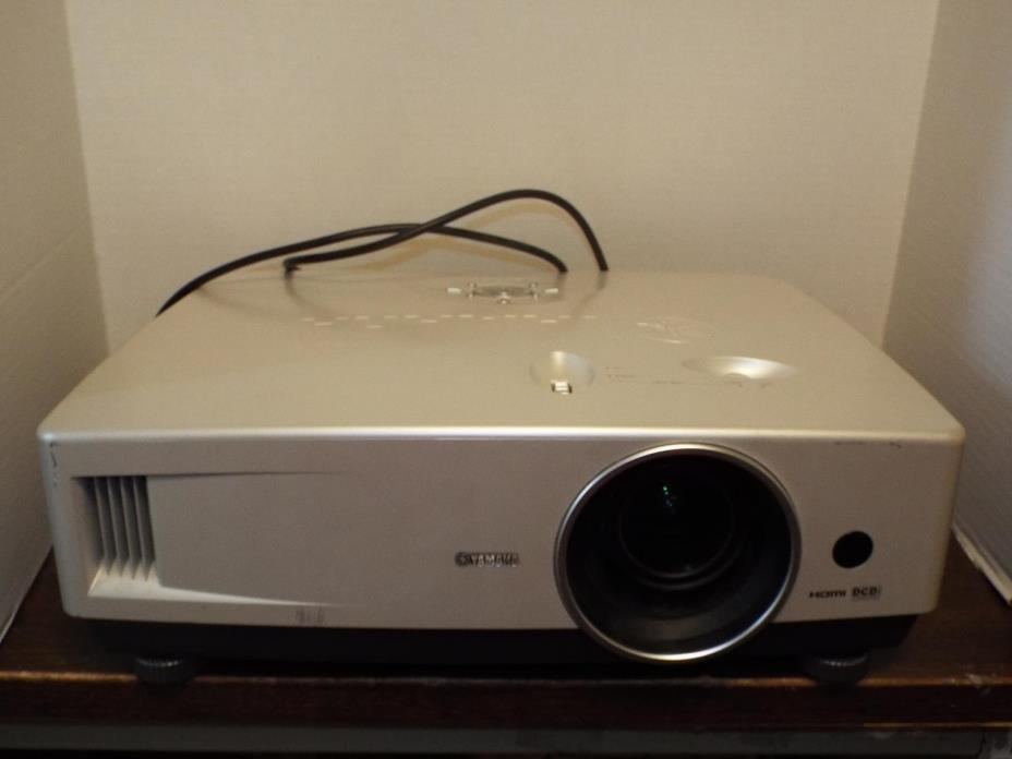 Yamaha Home Cinema Projector LPX-510. Good Working Condition.