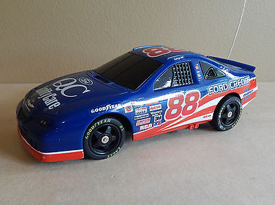 Dale Jarrett #88 Quality Care 1997? Ford Thunderbird 1:24 Remote Control Car!